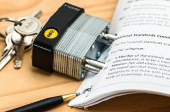 Porady prawne w internecie – czy to się opłaca?